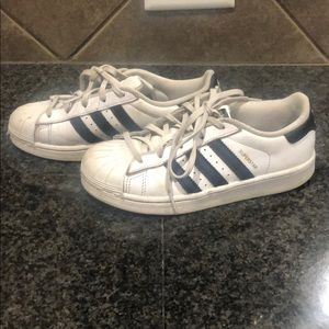 Adidas girls superstar sneakers size 1
